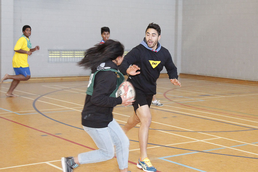 Scholarships For College Students >> One Tree Hill College :: Shaun Johnson visits One Tree Hill College